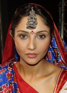 Get-the-Look-Rustic-Natural-Beauty-with-Lakmé-e1393860864308