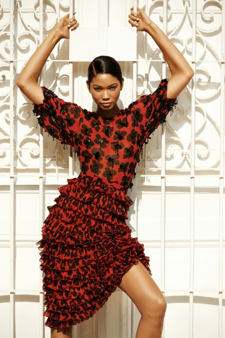 snapshot-chanel-iman-covers-harpers-bazaar-russia-june-2014-3